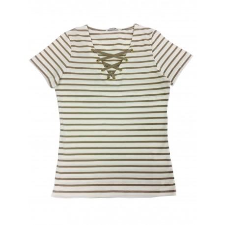 T-shirt com cordão no decote